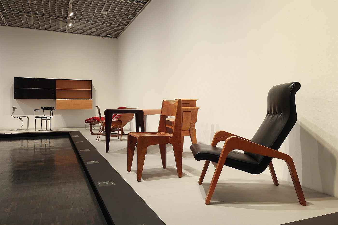 Marcel breuers furniture exhibition at the national museum of modern art in tokyo 3 march 7 may 2017 national museum of modern art tokyo
