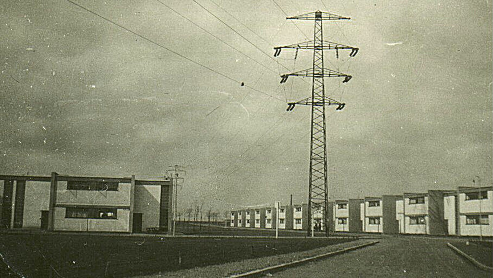 Bauhaussiedlung Dessau–Törten (1926–28) Walter Gropius