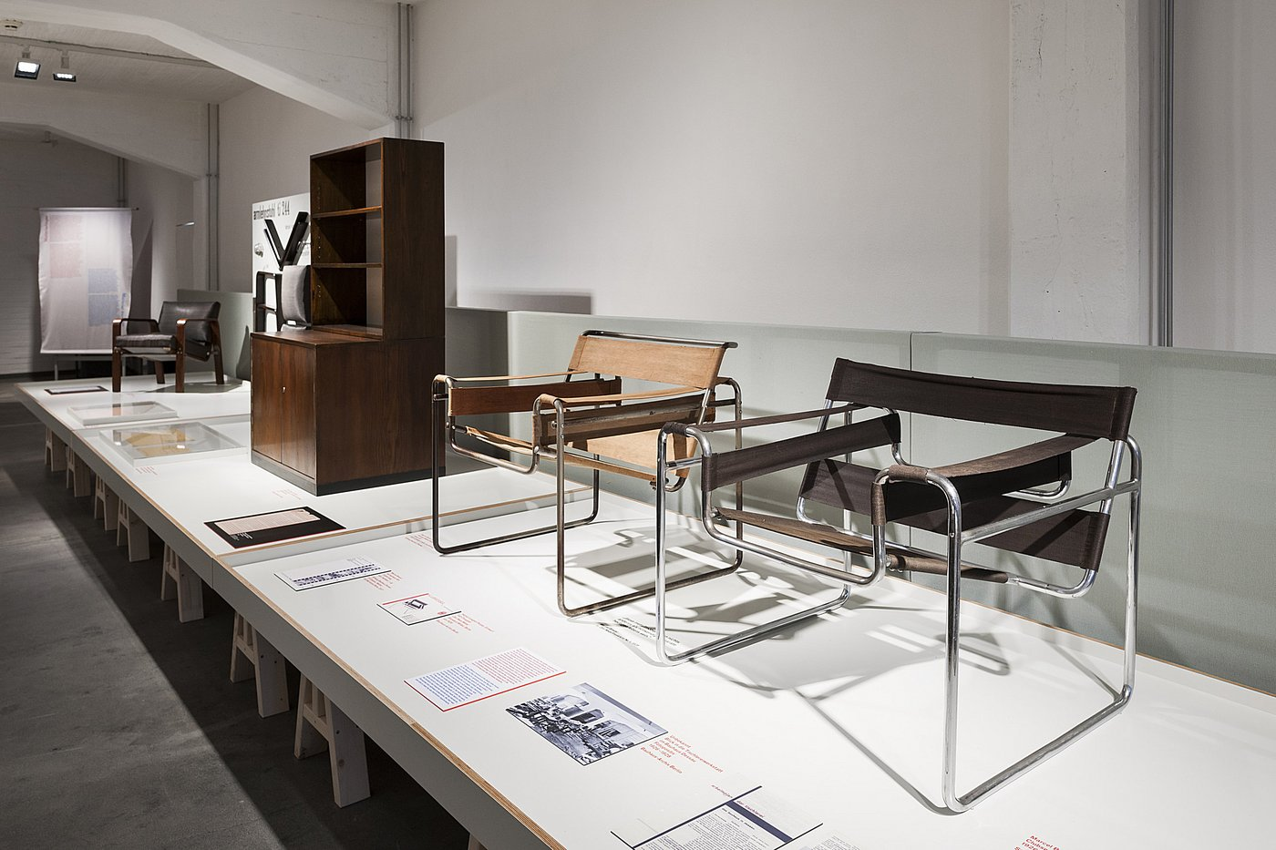 craft becomes modern the bauhaus in the making exhibitions stiftung bauhaus dessau. Black Bedroom Furniture Sets. Home Design Ideas