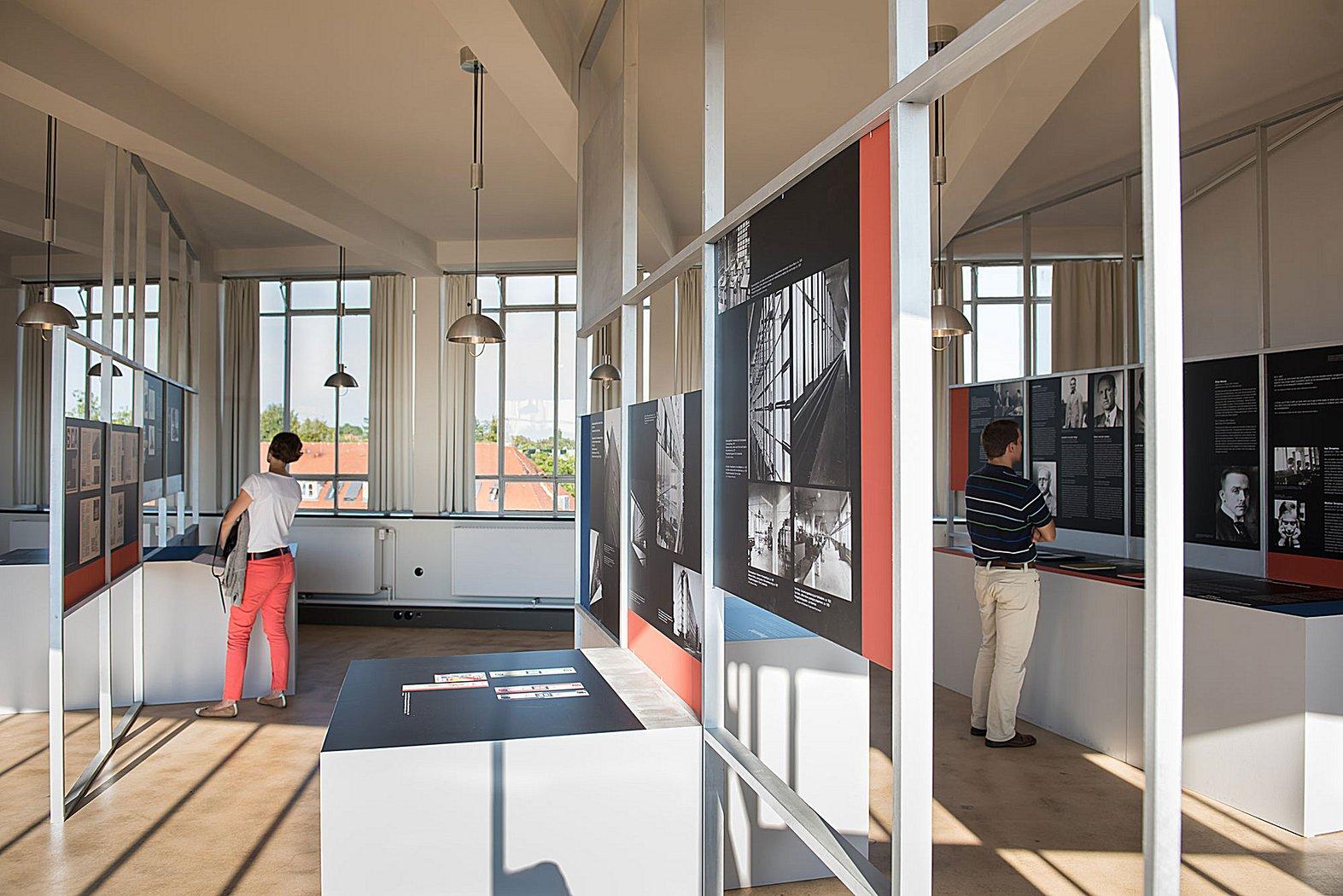 simultanit t der moderne r ckblick ausstellungen stiftung bauhaus dessau bauhaus dessau. Black Bedroom Furniture Sets. Home Design Ideas