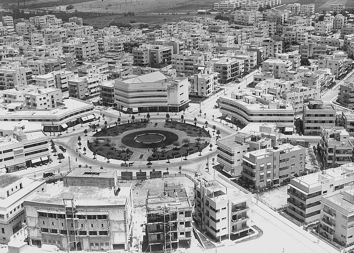 building for the community bauhaus and tel aviv building for