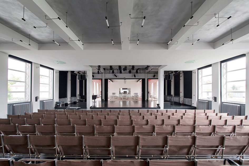 the bauhaus as a venue for your event hire rooms stiftung bauhaus dessau bauhaus dessau. Black Bedroom Furniture Sets. Home Design Ideas