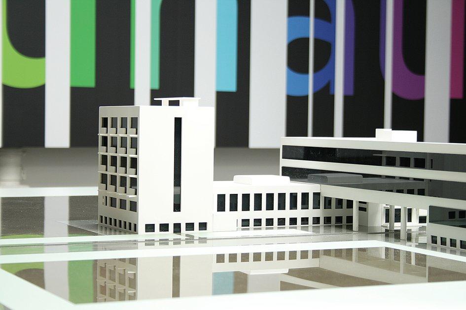 workshop of modernity permanent exhibition at bauhaus dessau workshop of modernism. Black Bedroom Furniture Sets. Home Design Ideas