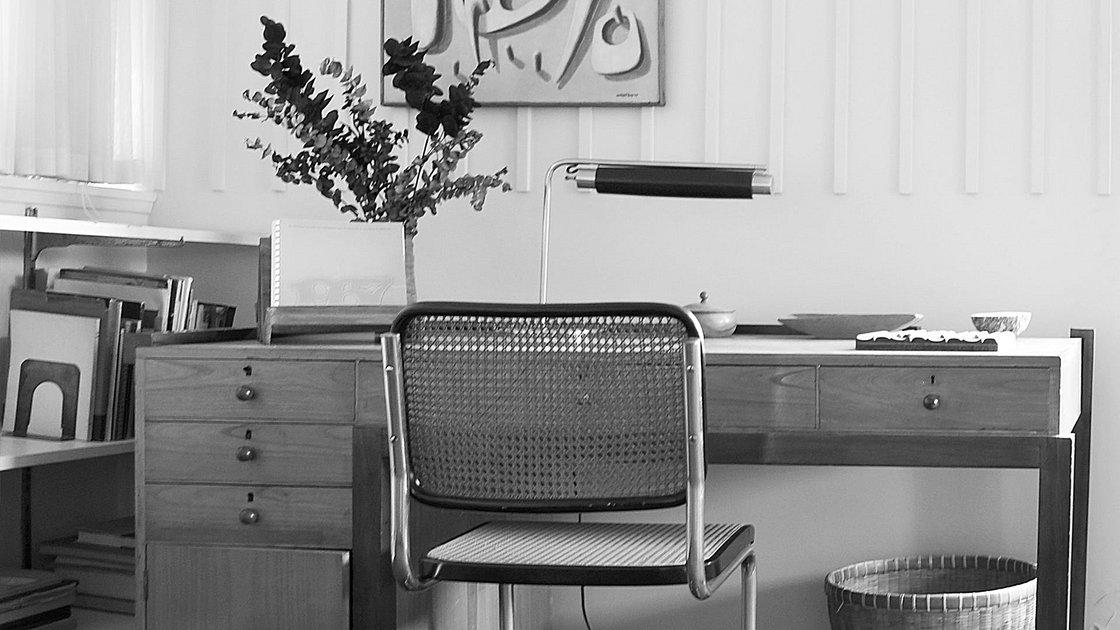 desk in exile bauhaus lab global modernism stiftung bauhaus dessau bauhaus dessau foundation. Black Bedroom Furniture Sets. Home Design Ideas